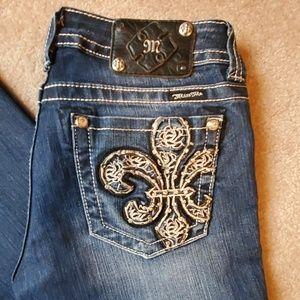 *EUC* Miss Me size 29 Bootcut jeans Fleur de Lis